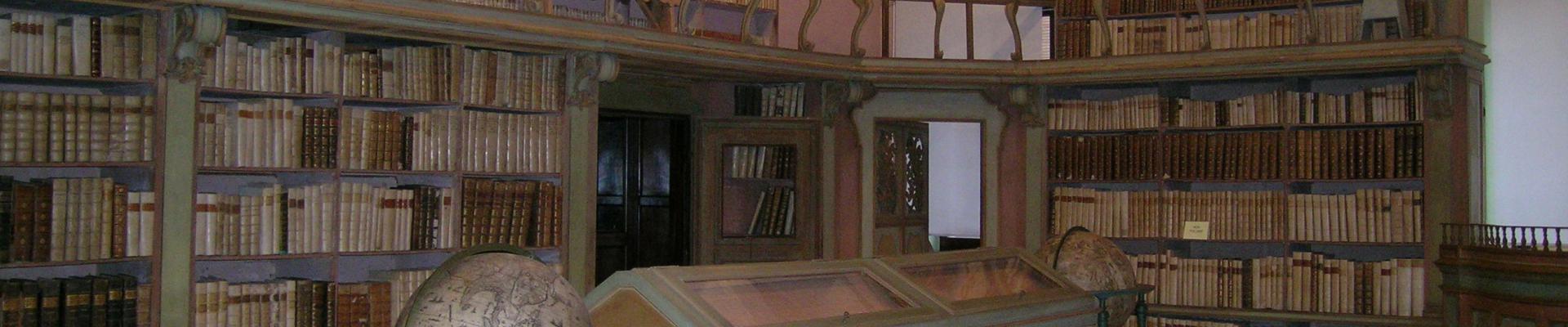 Biblioteca sala 700